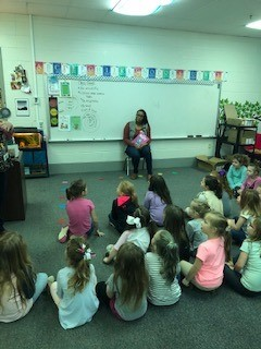KFB Agent Keanna Steward reads to Allen County kindergartners